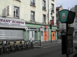 -Local commercial à Puteaux
