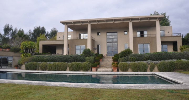 -Villa d'habitation à Cannes